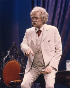 02-Hal-Holbrook-in-Mark-Twain-Tonight-NatlTheat--400x500